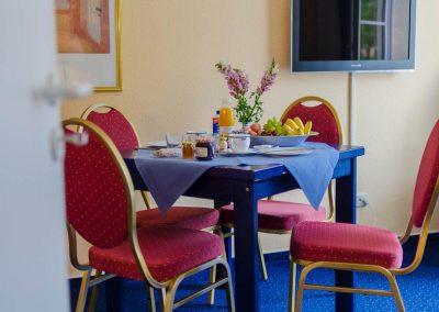 2-Raum-WZ-Tisch